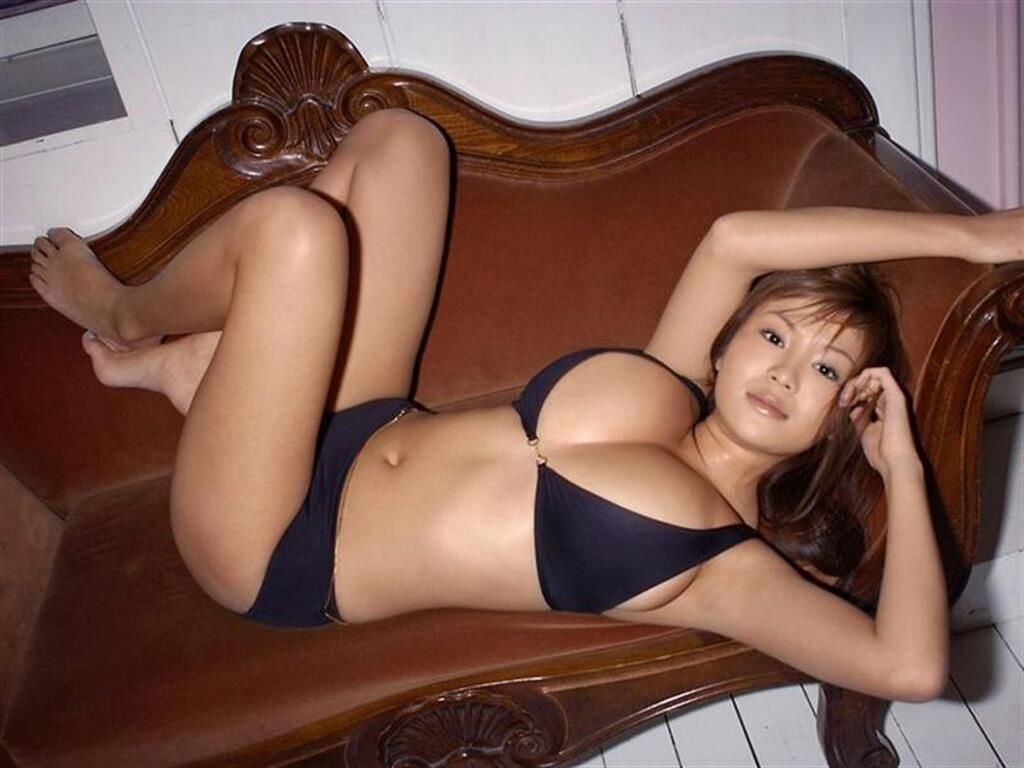 [Asian Porn] Feel free to use the sofa