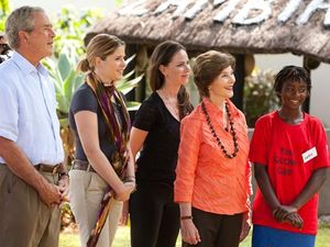 Photo below: Former president George Bush, Laura Bush, Jenna Bush