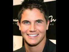Robbie amell nude