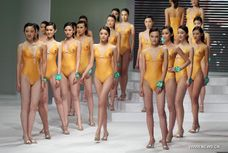 Contestants present in 8th China Super Model Final Contest