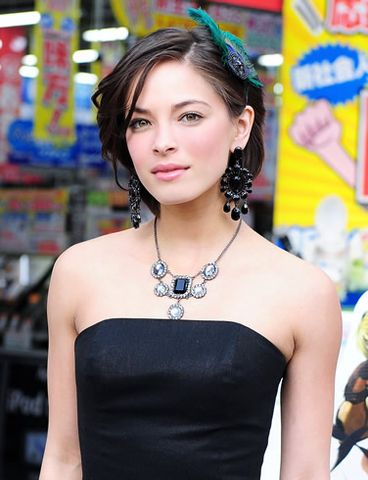 Jun Sato/WireImage com More Kristin Kreuk pics