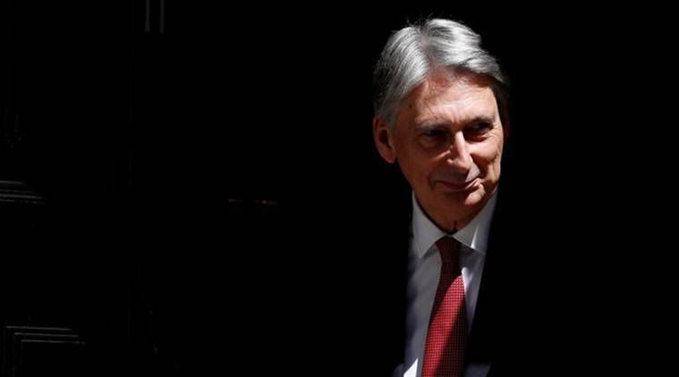 Philip Hammond sees no sharp change to migration rules after Brexit