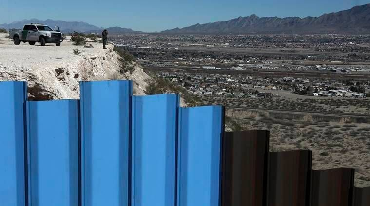 Prototypes for Mexican border wall delayed until November