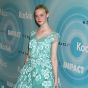Elle Fanning Raped � Photo, Picture, Image and Wallpaper Download