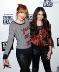 Ryan Newman And Bella Thorne Naked « Photo, Picture, Image and