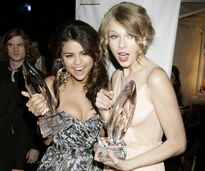 Taylor Swift and Selena Gomez  Taylor Swift Photo (20903016)  Fanpop