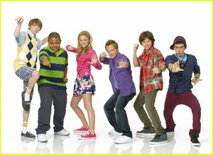 "olivia holt the cast of ""kickin' it"""