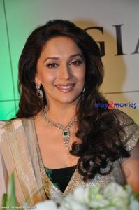 Madhuri - Madhuri Dixit Photo (23917282) - Fanpop fanclubs