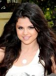 selena  Miley Cyrus vs. Selena Gomez Photo (25528483)  Fanpop