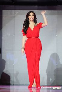 The Dubai Mall's Fashion Catwalk - 14/10/2011 - Kim Kardashian Photo