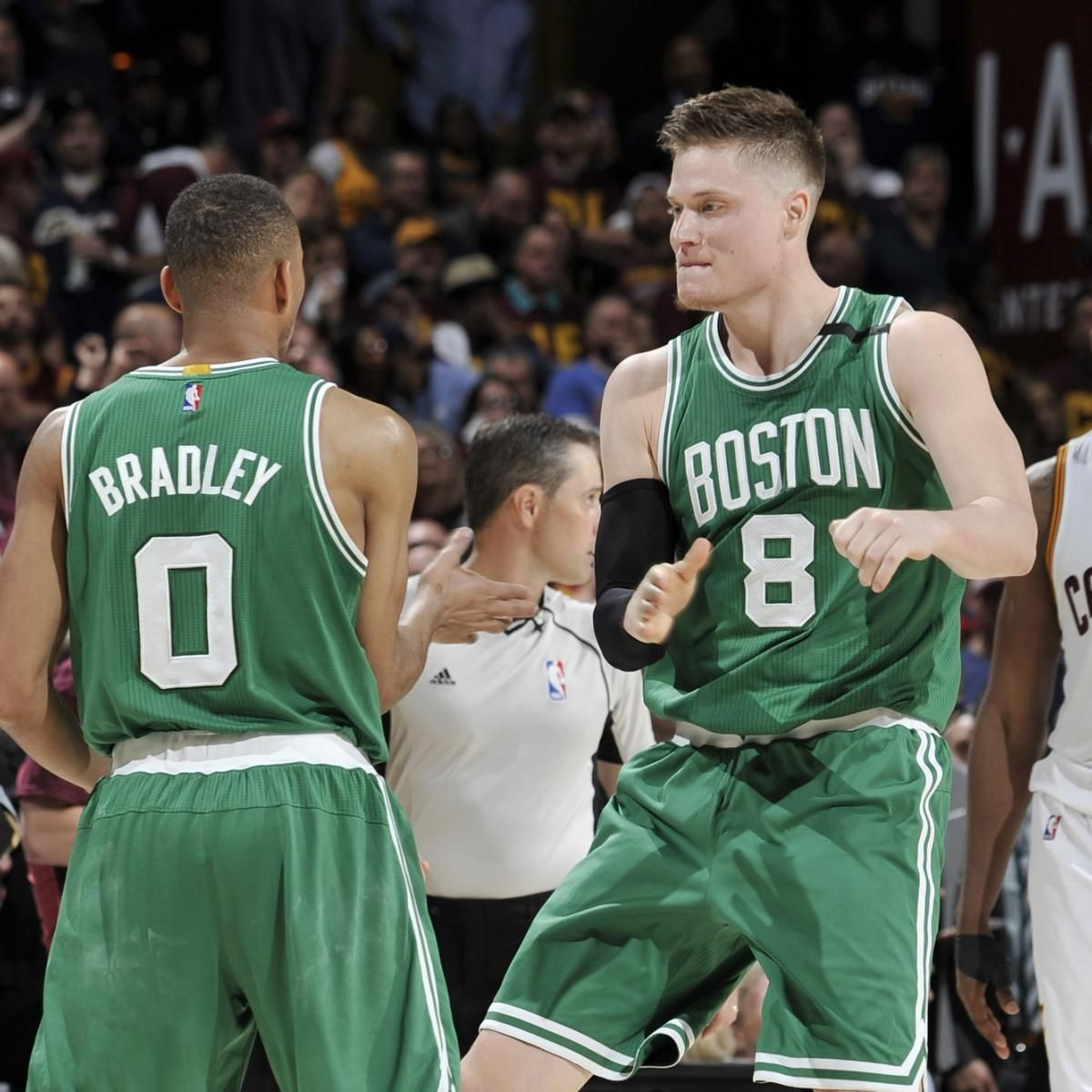 Celtics Shock LeBron James, Cavaliers as Avery Bradley Sinks Game-Winner - Bleacher Report