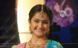 Wallpaper  Still image of Avika Gor (91261) size:1280x800