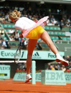 Sharapova's Cellulite Makes The National Enquier! - TennisForum com