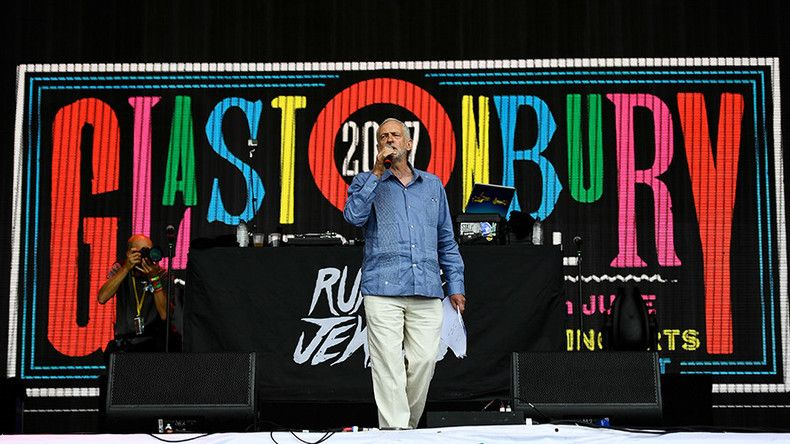 'Another world is possible': Corbyn headlines Glastonbury stage with message of unity (VIDEO)