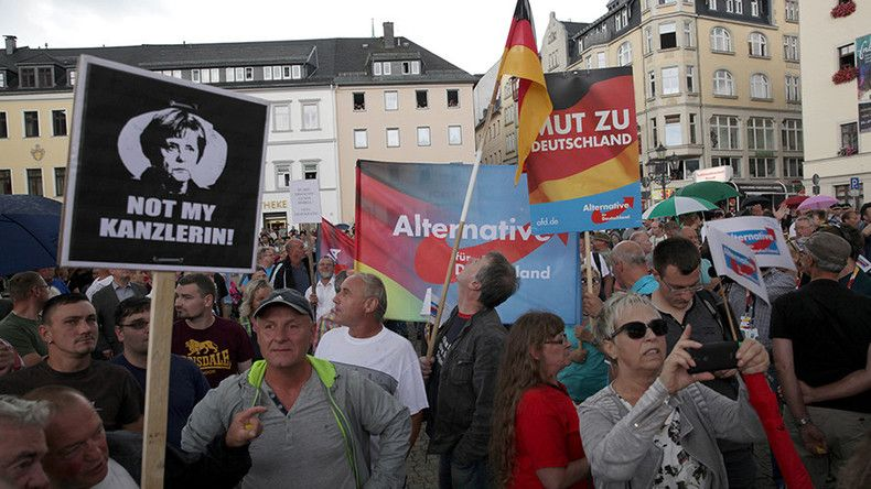 'Traitor': Merkel booed at rally in eastern Germany (PHOTOS, VIDEO)