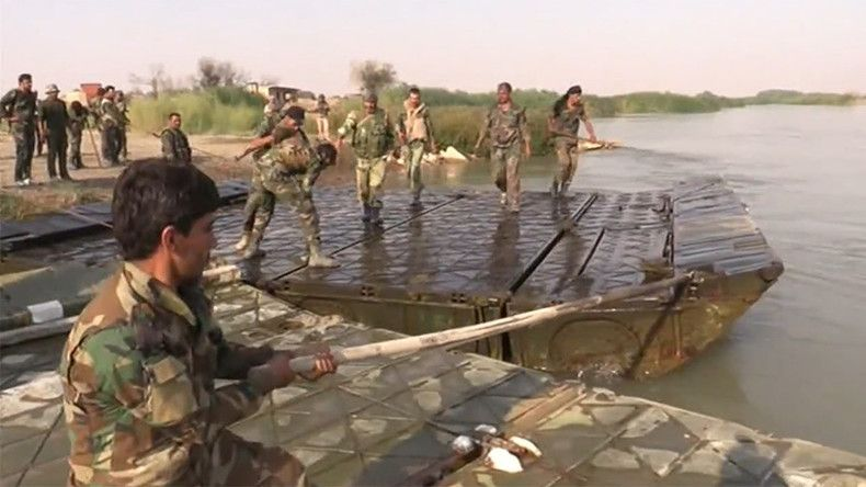 Syrian troops cross Euphrates as they advance east of Deir ez-Zor (VIDEO)