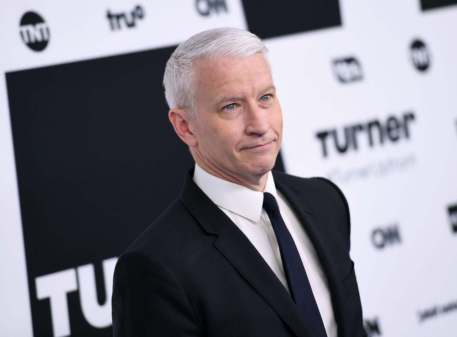 Anderson Cooper apologizes for conjuring image of Trump defecating on his desk