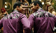 Subah Hone Na De  Desi Boyz Movie Song : Music Mania