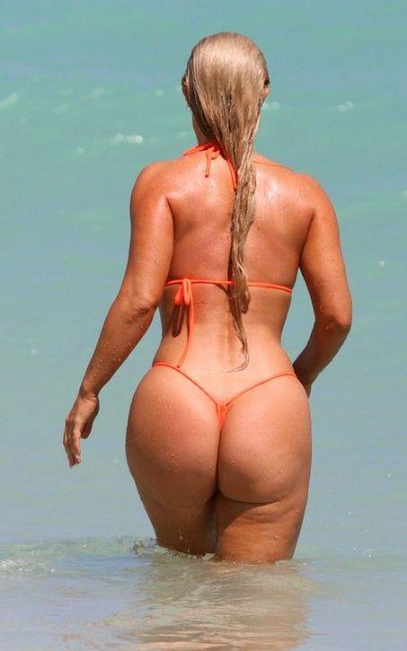 Bikini Clad Nicole