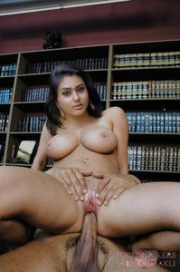 Namitha Kapoor South Actress Nude Enjoying Fucking in her Pussy [Fake