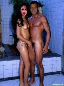 Fakes: Priyanka Chopra With Salman Khan Nude Giving Blowjob [Fake