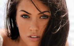 Megan Fox Wallpaper Close Up Hollywood Celebrities HD 1920x1200px