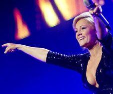 Radio Hamburg Videos  Gina Lisa Lohfink covert Helene Fischer Song!