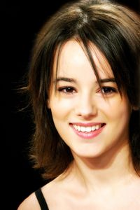Posted byshine idolLabels: alizee , french singer