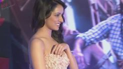 Shraddha Kapoor || Adjusting Her Dress » Shraddha Kapoor Adjusting