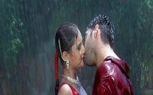 Raveena Tandon Nipple Slip Sharuk Khan #5   1280 x 800