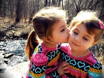 Twins kiss | Peggy Rae Photo's