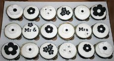 mr & mrs cupcake | Bevo & Jim Big Day