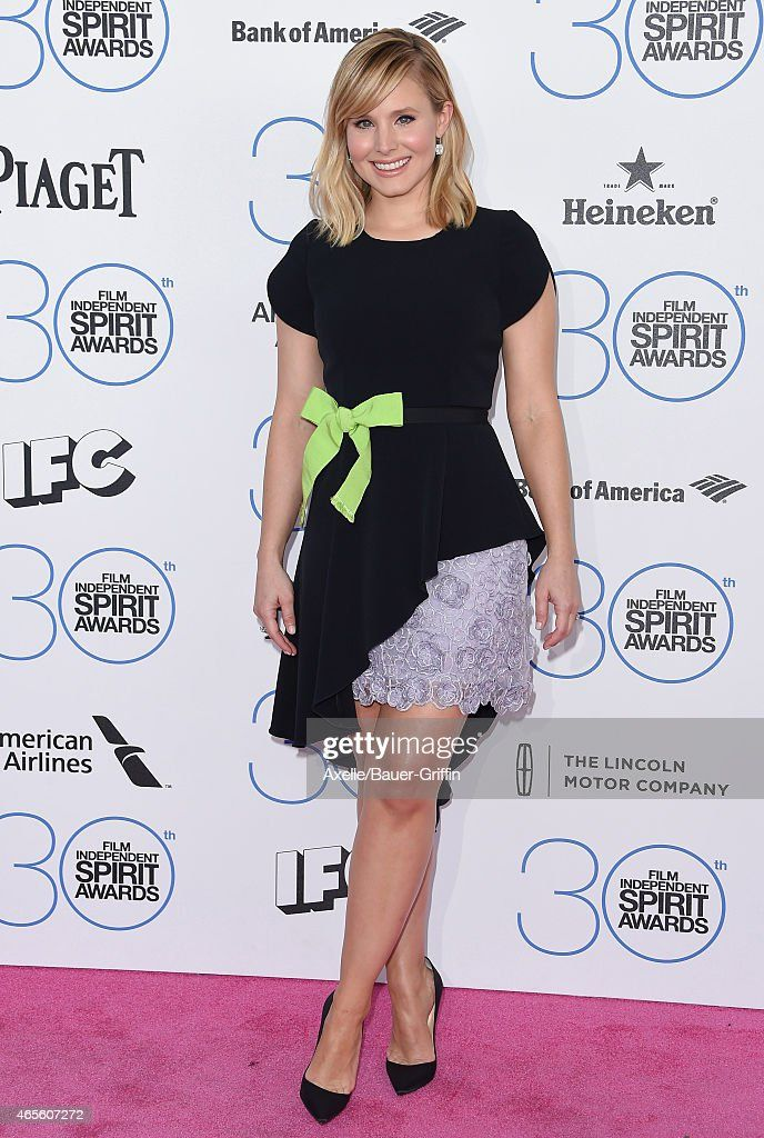 Emmy Rossum Arrives At The 2015 Film Independent Spirit Awards
