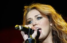blogcurangs blogspot commiley cyrus pictures leaked 2010  and at