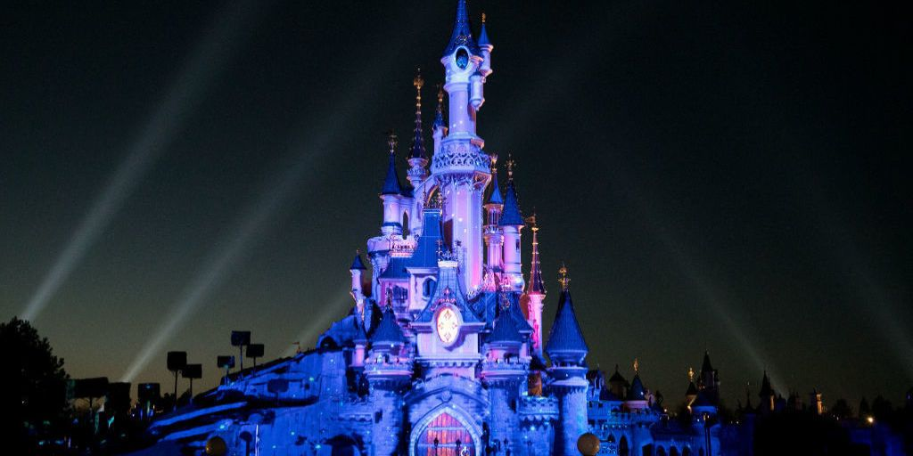A Woman Is Suing Disneyland After Getting Seriously Burned At A Restaurant