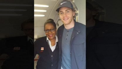 Chicago Blackhawks Star Patrick Kane Gives His 1st Class Airline Seat to Soldier