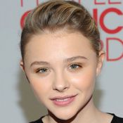 Chloë Moretz's Beauty Look at the 2012 People's Choice Awards