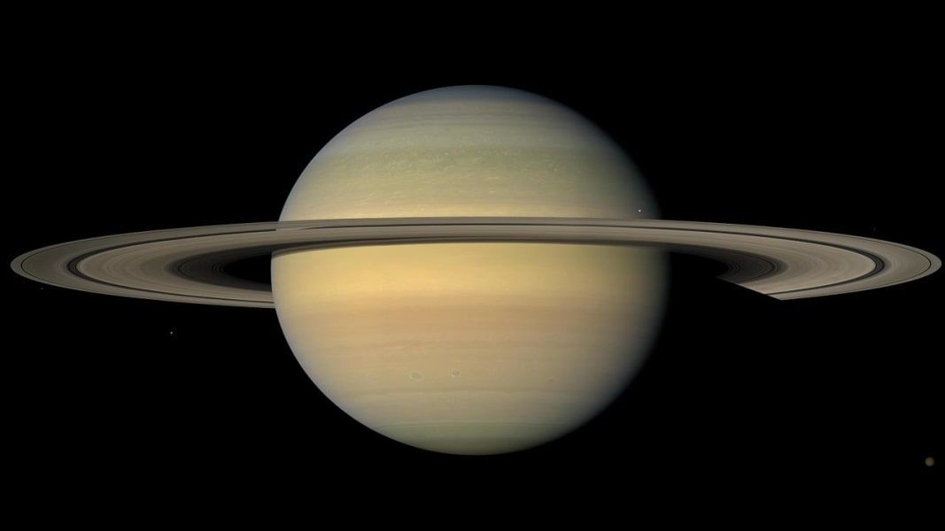 Cassini probe takes last gasp, dives...