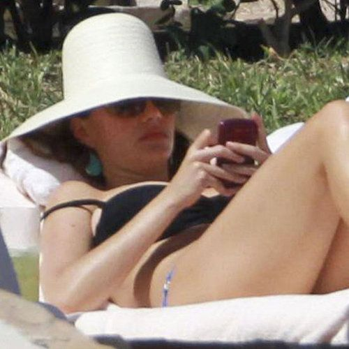 Sofia Vergara Poses In A Thong Bikini At Age 40 Posts Picture Online