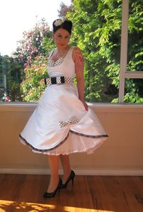 Published on 5 marzo 2012 in Vestidos de novia al estilo Pin Up Full