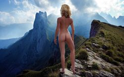 Image: http://nfgworld.com/grafx/girls/MountainNude.jpg]