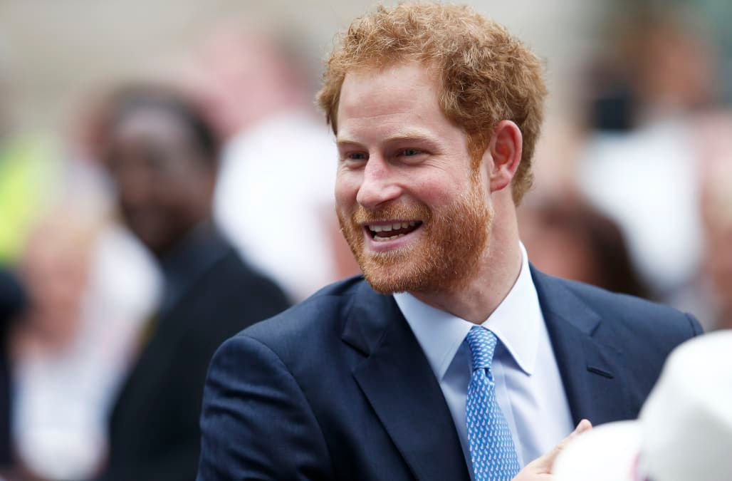Queen Elizabeth reportedly gives Prince Harry permission to propose to Meghan Markle - AOL