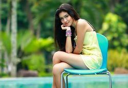 Foto Melody Prima yang Seksi dan Cuantiiik | Otomotif Plus