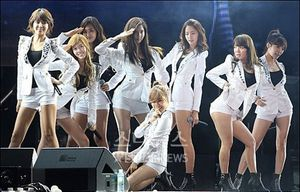 SNSD Forgives Netizens for Uploading Their Fake Nude Pictures