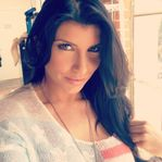 Romi Rain's Twitter pic (@romirain) [FOLLOW] On set makeup! Don't