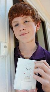 13-year-old boy invents doorbell that tricks burglars into thinking