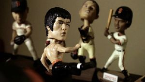 Bruce-lee-bobblehead-kicks-major-butt-in-hilarious-promo-video