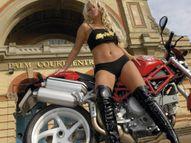 motorcyclebabe071181672181.jpg