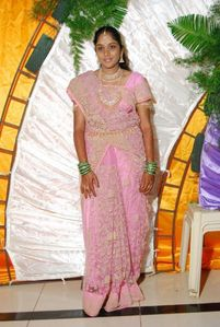 Real Indian Housewives in Saree cute pictures-2 • Andhra Mania