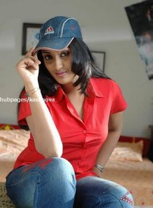 Meghna Nair Hot Tamil Actress and Sex With Her Boy Friend Girls Photos